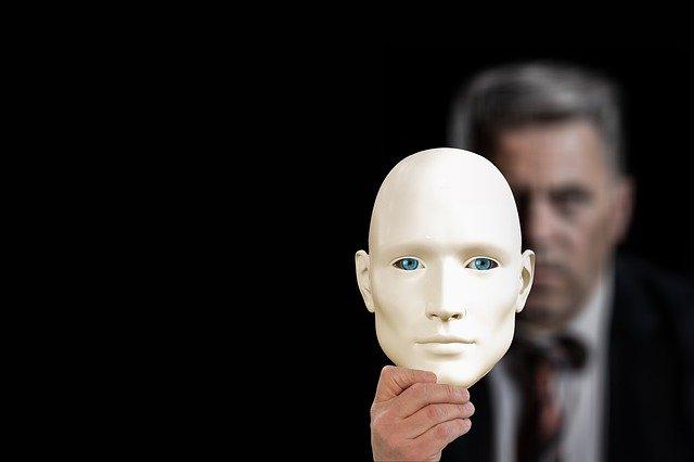 personne avec un masque